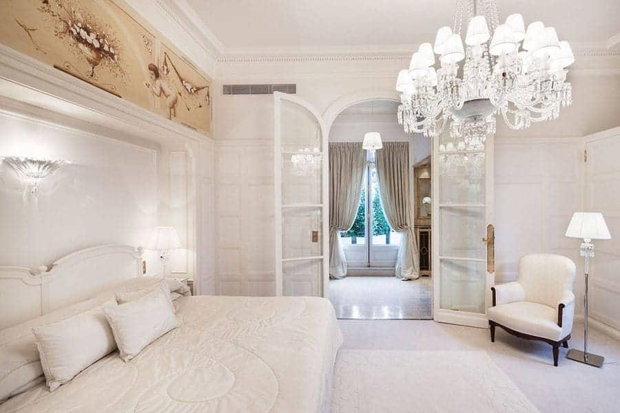 Habitaciones con encanto luciasecasa for Lamparas cabezal cama