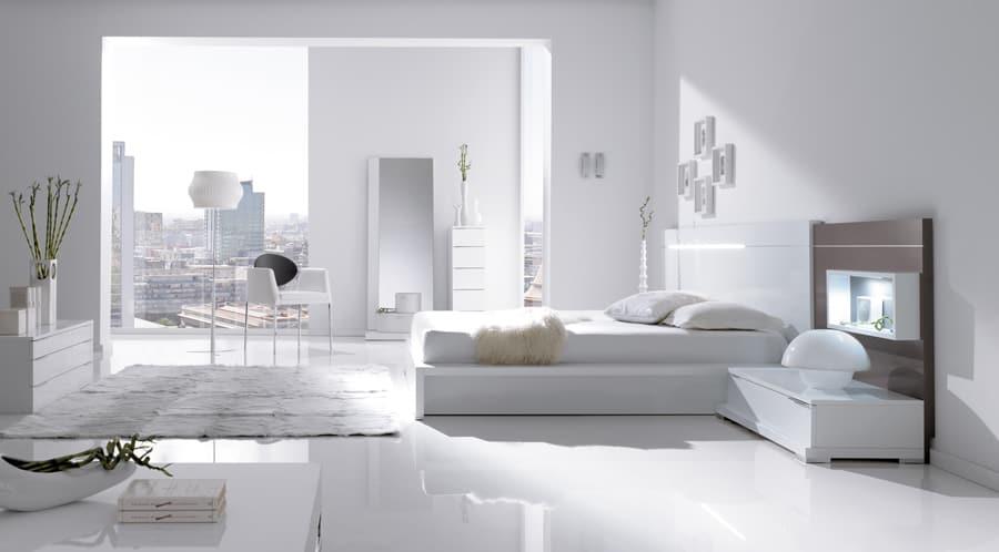 Habitaciones con encanto luciasecasa for Dormitorio vintage blanco
