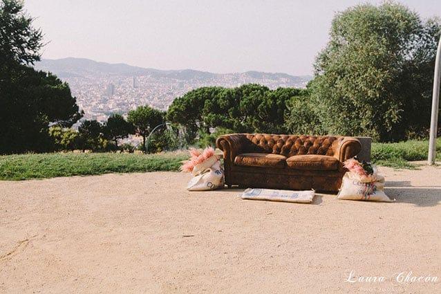 sofá vintage boda en el campo