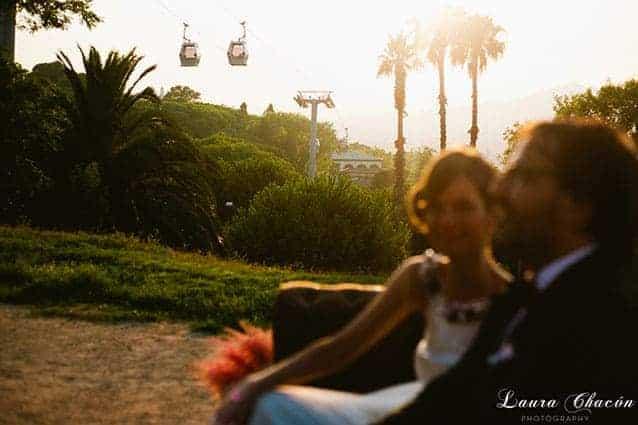 novios puesta de sol con teleferico en barcelona