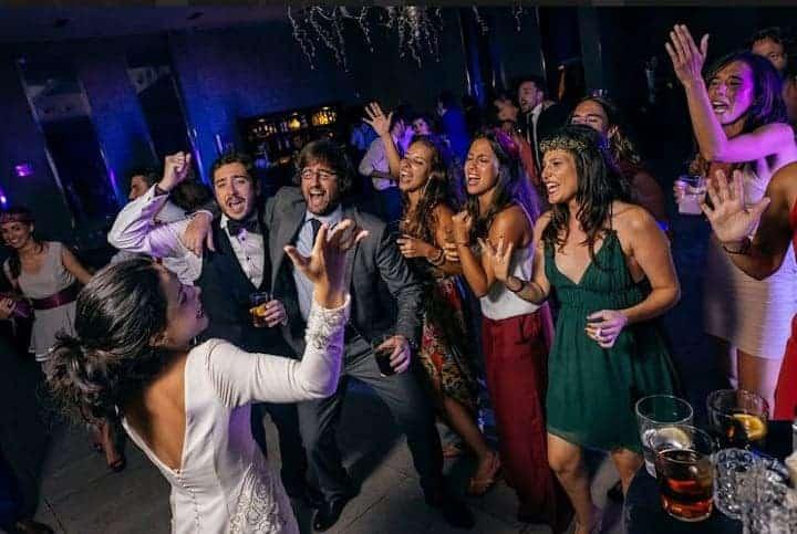 fiesta boda marbella novios