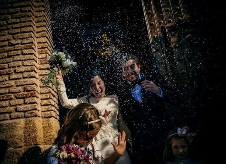 salida novios arroz boda andaluza