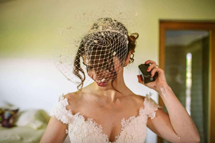 novia tocado birdcage