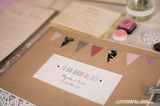 Feria-Love-and-Vintage-elajuardelu-invitaciones boda