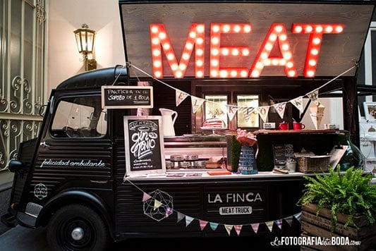 Feria-Love-and-Vintage-meatruck
