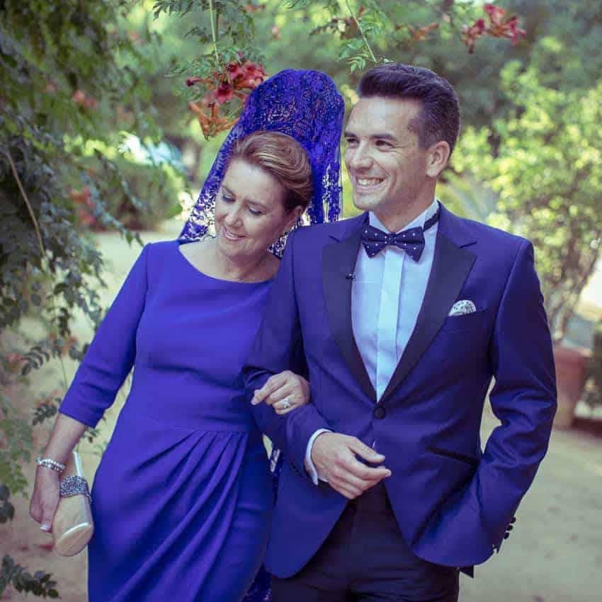 novio y madrina en azul