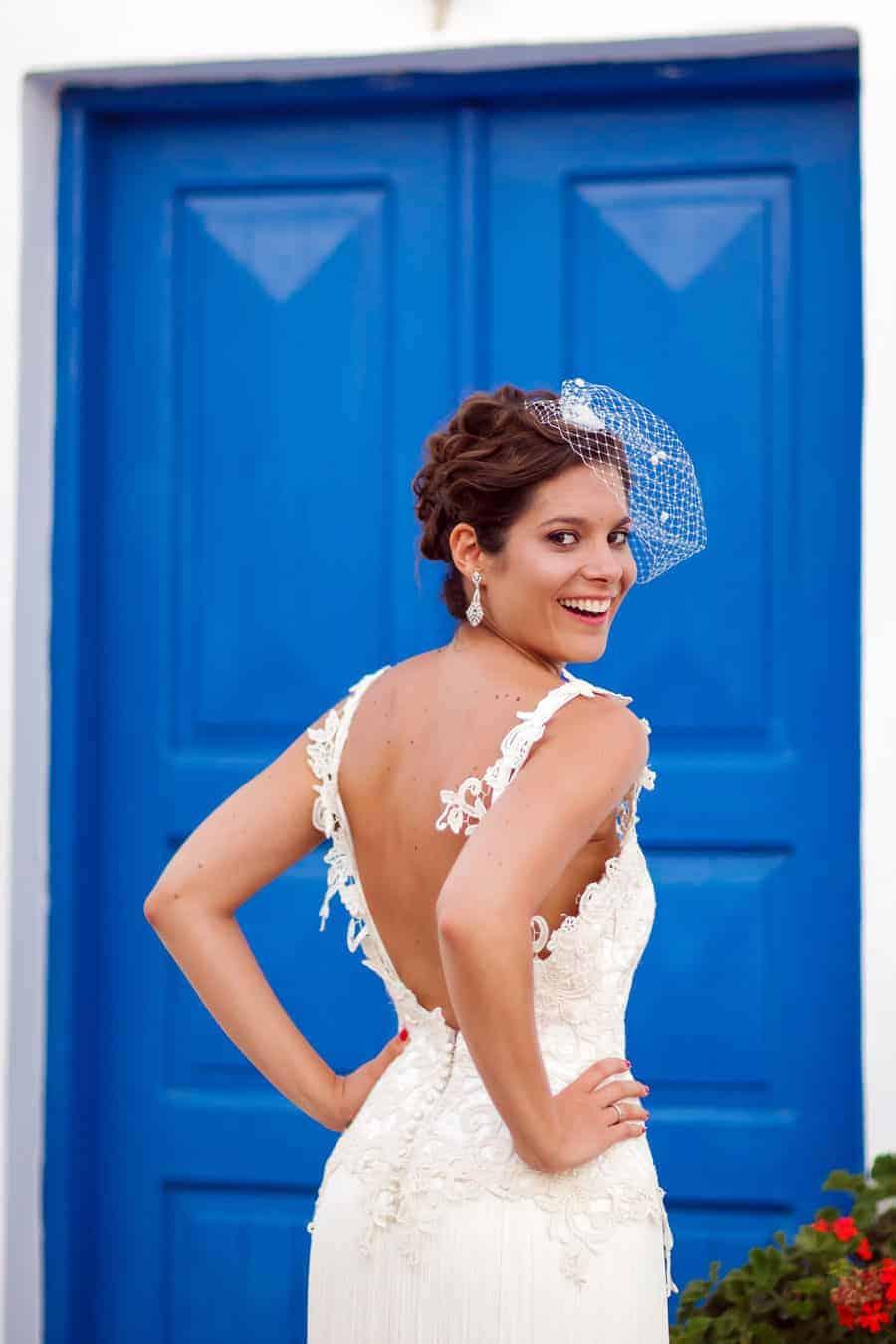 novia puerta azul