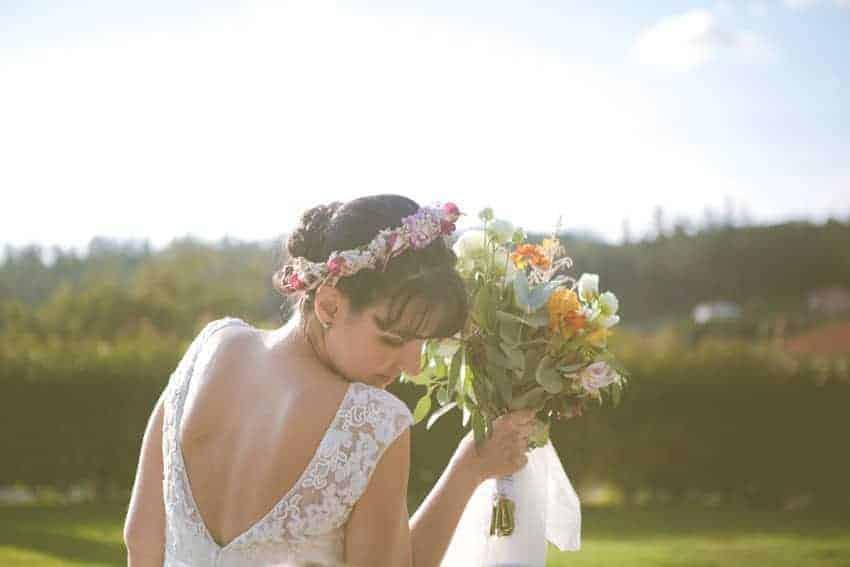 novia corona de flores