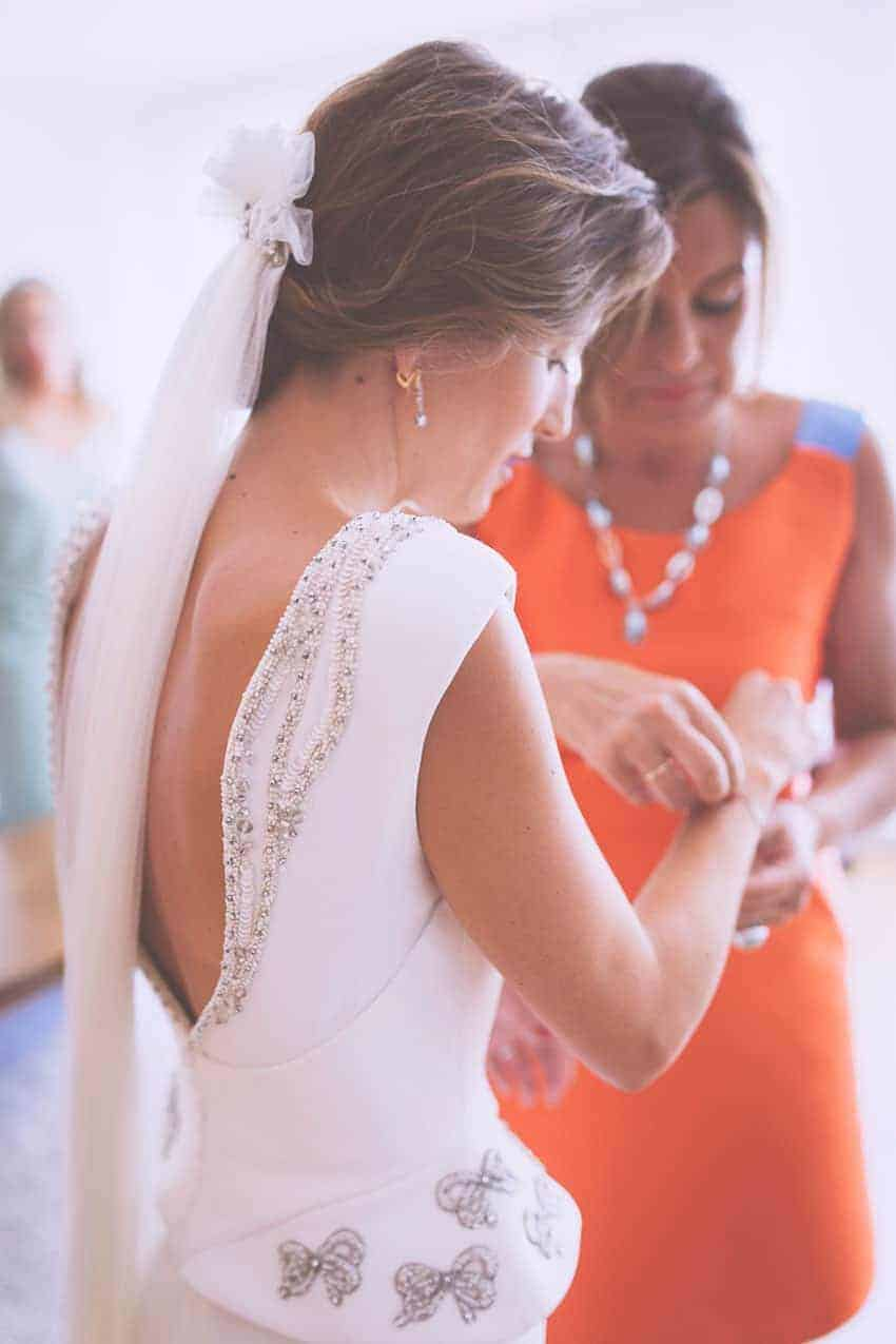 vestido novia espalda al aire libre Cristina Pascual